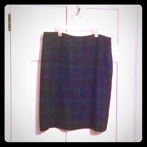Black and evergreen plaid skirt
